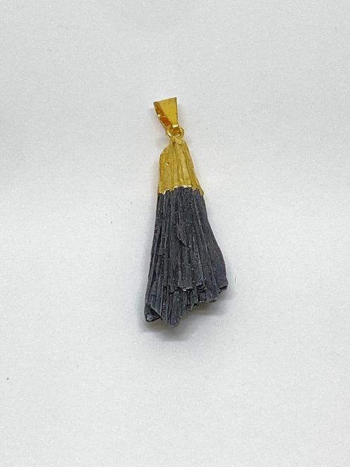 Pingente - Cianita Negra/Preta - Vassoura de Bruxa (Dourado)