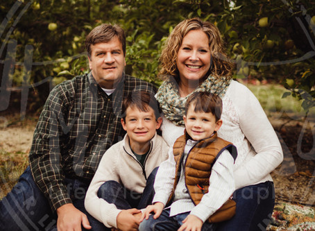 Indy Family Photography | Fall Orchard Minis | Smith Family @ Tuttle Orchard