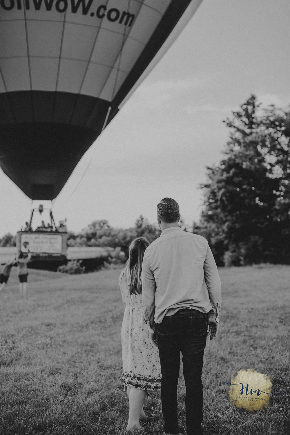 engagement and maternity photos with hot air balloon by hashtag memories