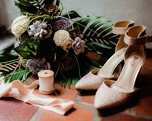 wedding details, wood flowers and high heels during fort wayne wedding by noblesville photographer