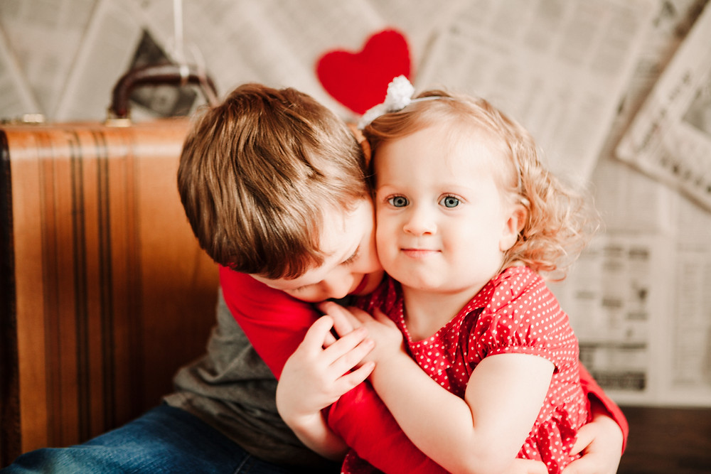 Indy valentines day mini photo session of siblings by hashtag memories