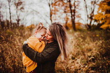fall family photography in noblesville, indiana by central indiana family photographer