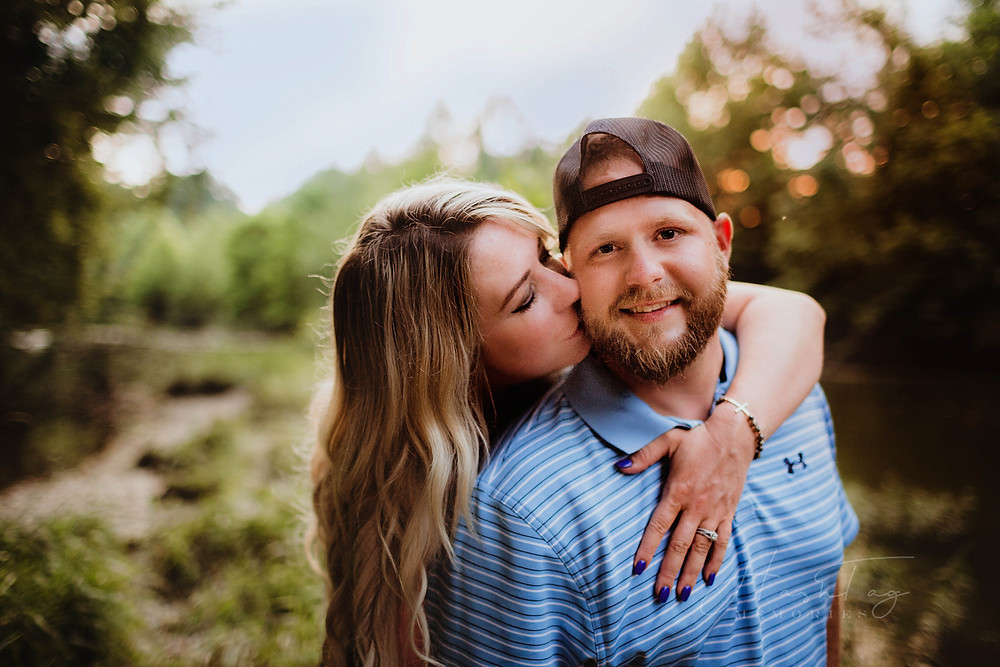summer couples portrait, couples outfits, maternity photography, indianapolis wedding photographer