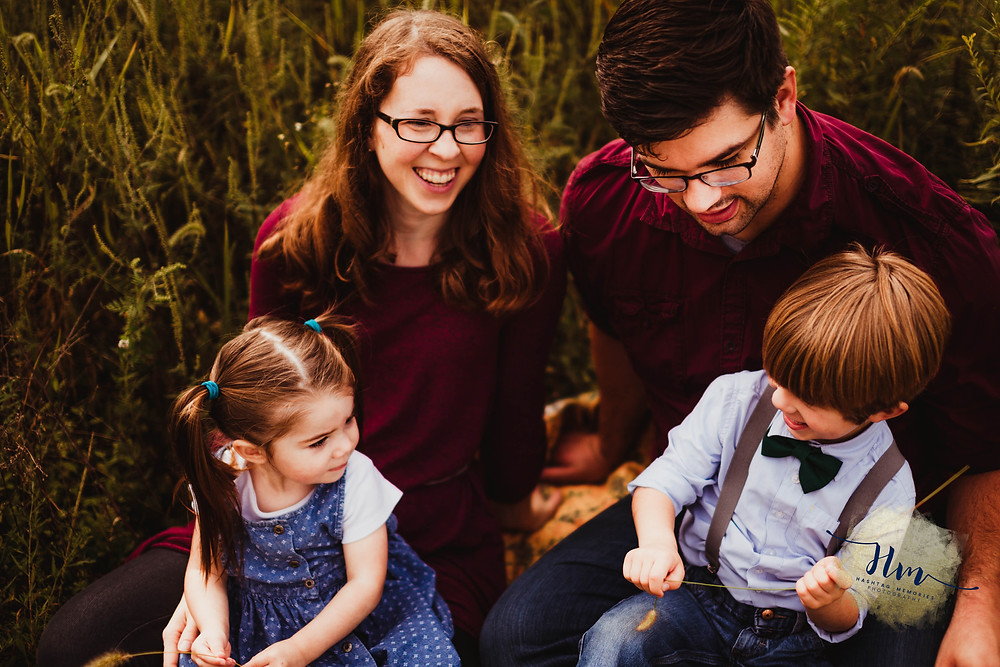 fall field family photos in fishers indiana