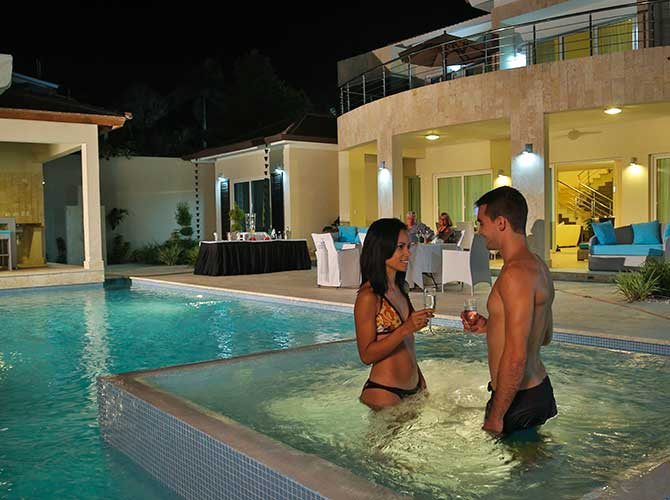 Private Villa Jacuzzi