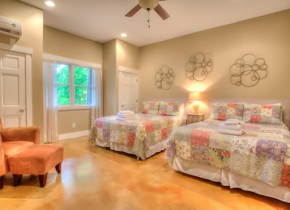 Lower Level Queen Suite