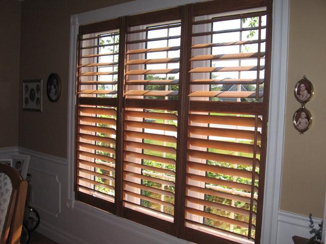 gal_wood_shutters_4.jpg