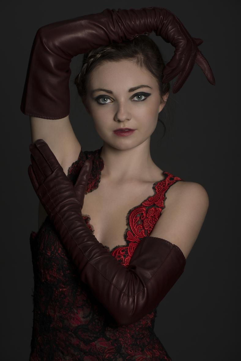 Carmela wine gloves