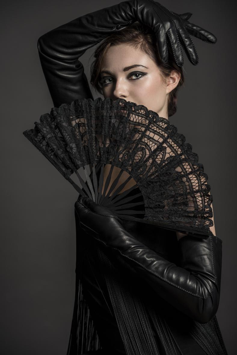 Carmela black gloves