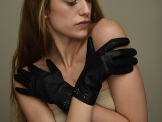 Riina O gloves flash sale -30%