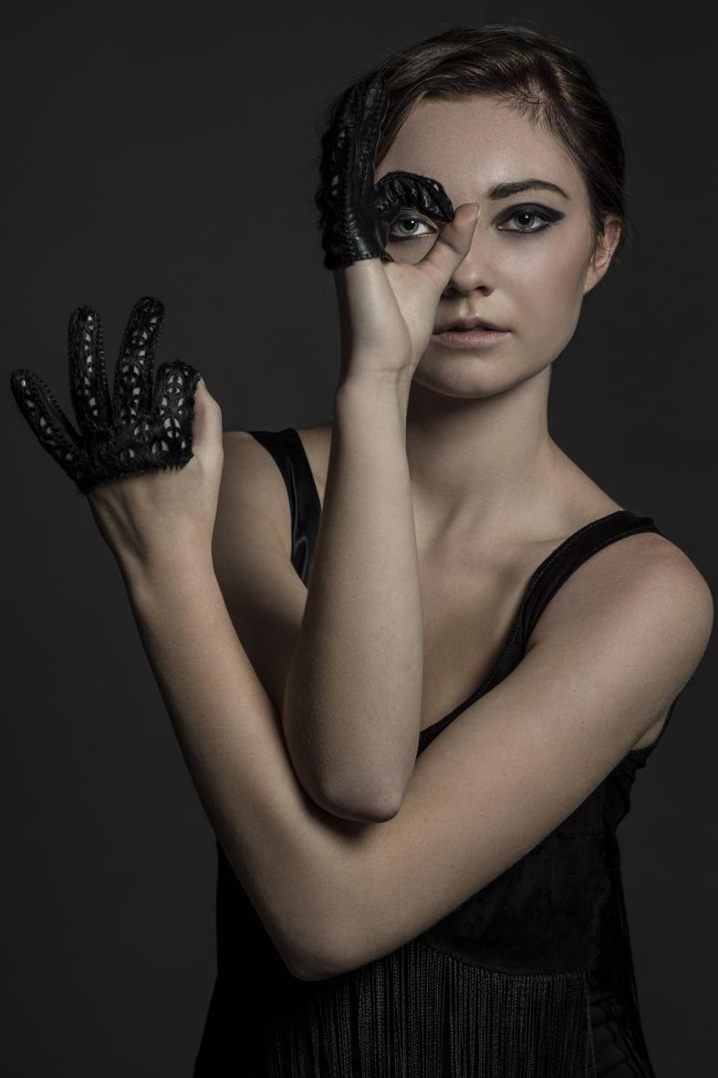 Ivana black mini gloves