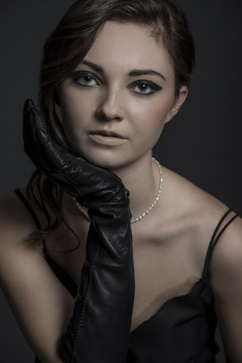 Jessica black gloves