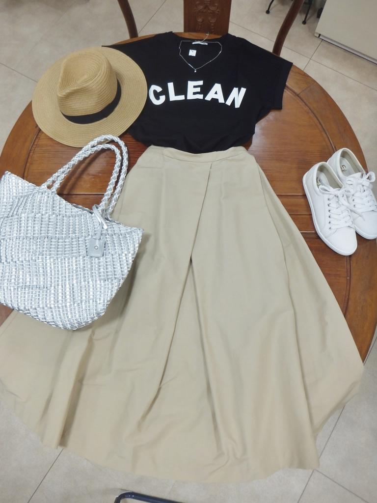 Tシャツ×ボリュームスカート