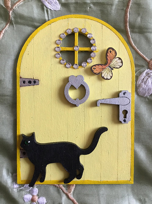 Fairy Door With Cat