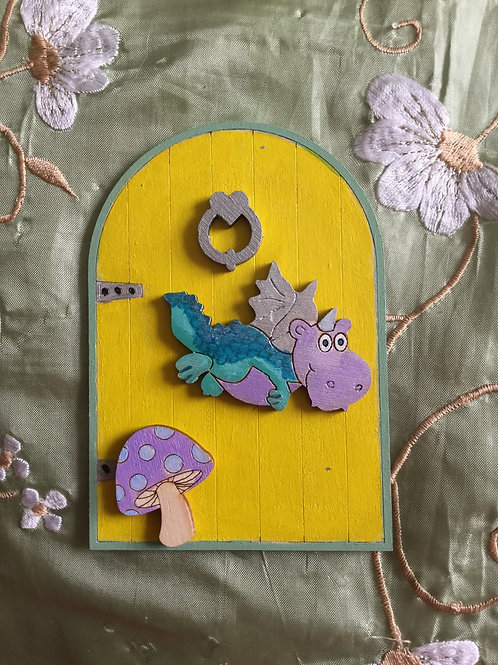 Basic Fairy Door With Dragon