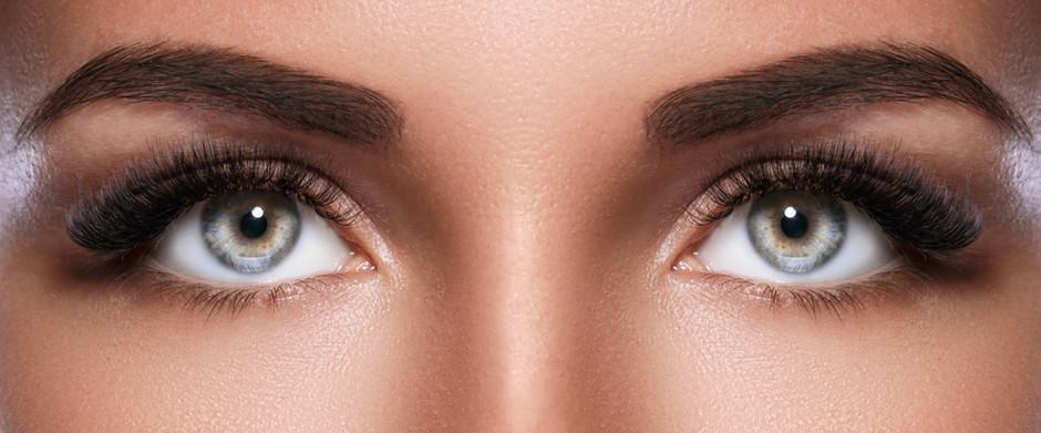 False Eyelashes— Worth the Risk?
