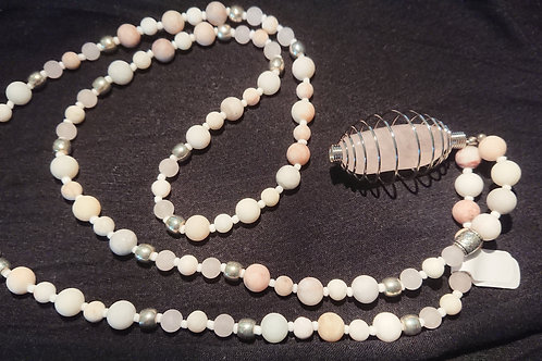 Mattweis mit Rosenquarz Mala -  Gebetskette mit 108 Perlen