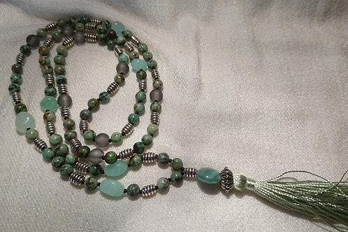 Jade-farbene Mala für das Herzcharkra -  Gebetskette mit 108 Perlen