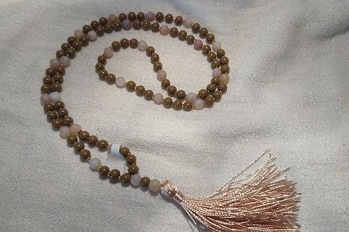 Olivgrün mit matt Weis Mala -  Gebetskette mit 108 Perlen