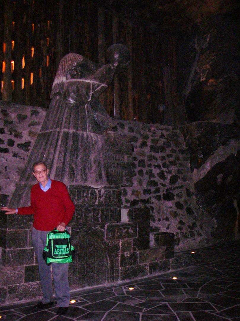 Dolf in underground mine in Krakov.png