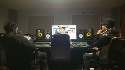 Dynasty Beats Mixing With Artists