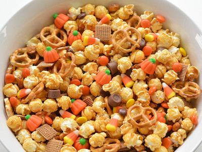 Scarecrow Crunch Fall Snack Mix