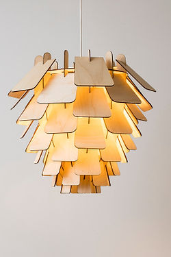 designlamper-lampe-kogle i birketræ-med-smukt-og-behagelige-lys-med-flot-glød-lamp-6-handmadebyhenning-com