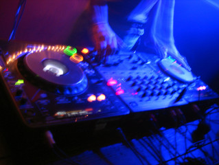 Artificial Intelligence and DJ's Mixing Beats? How Technology and Science Transformed Deejaying