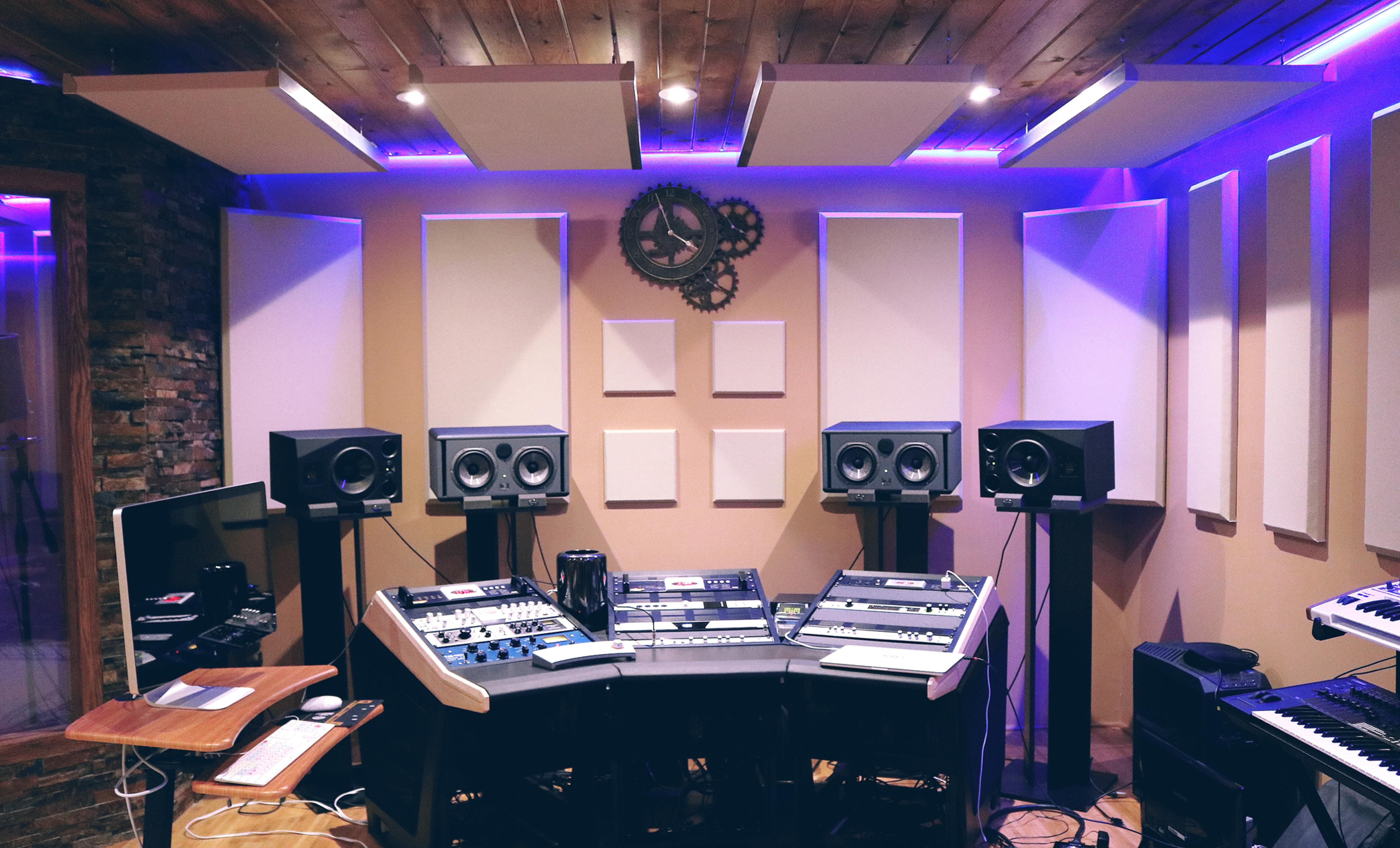 Leige av studio med tekniker