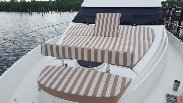 Bow cushions Removable forward back rest