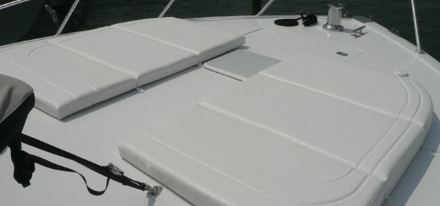 Bow cushions 65 Viking.JPG