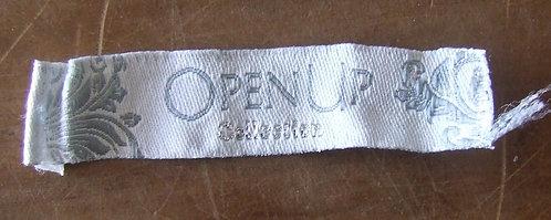 Etiqueta Open Up
