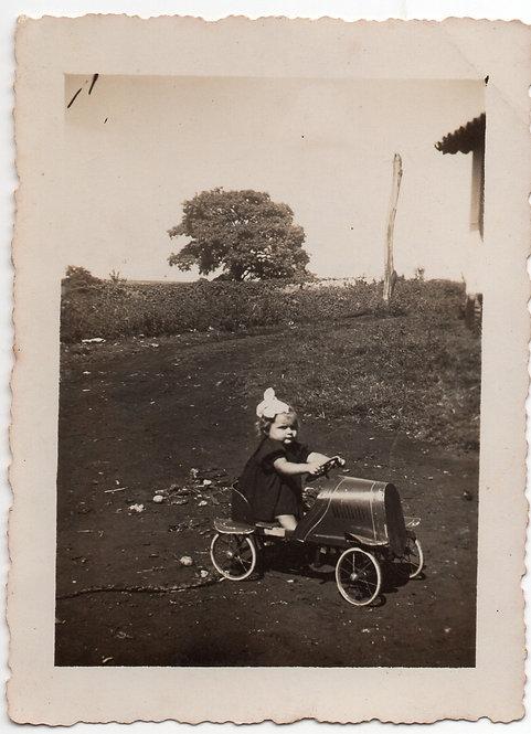 Foto Antiga - Carrinho de Lata