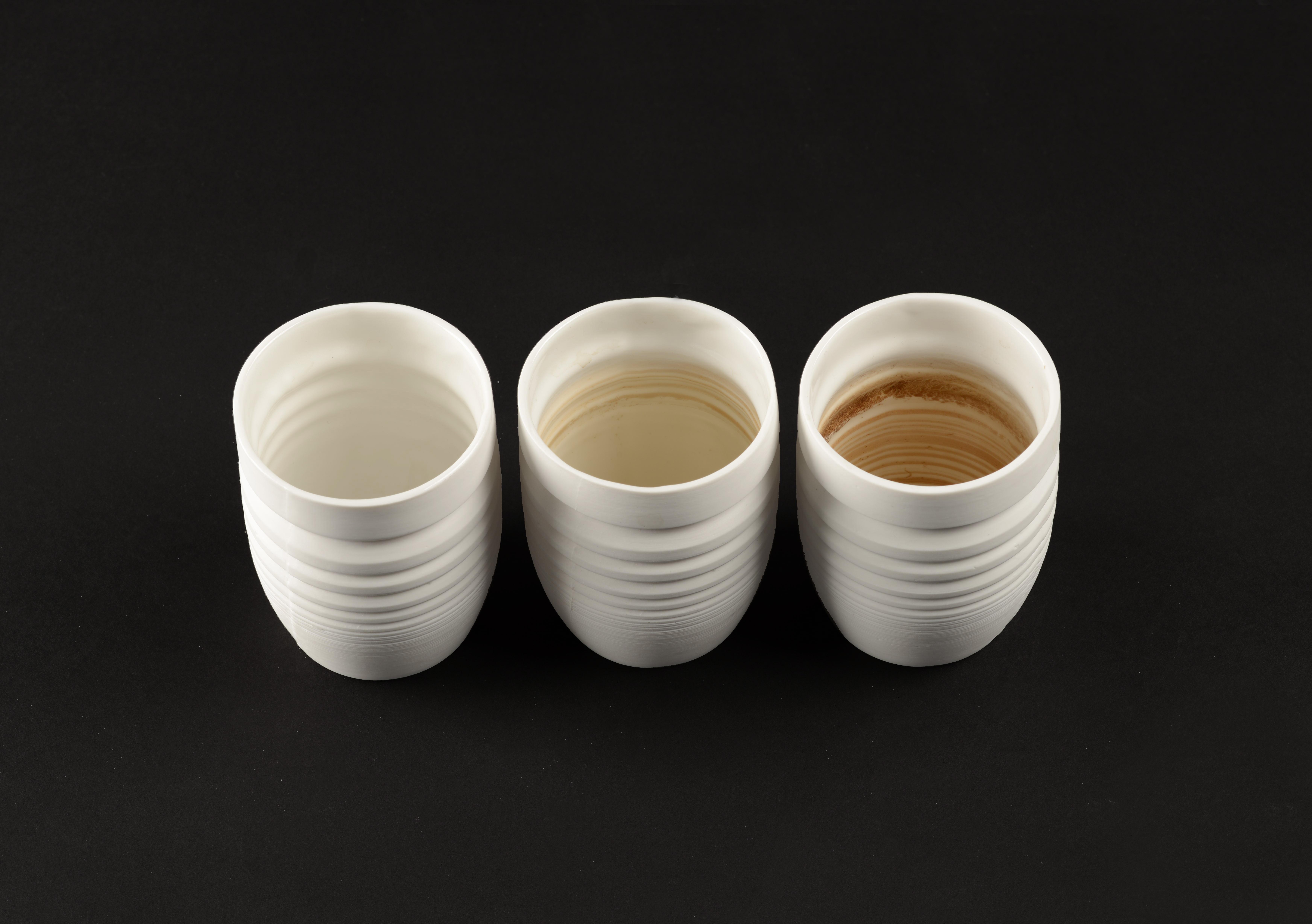 Teebecher mit zunehmenden Spuren