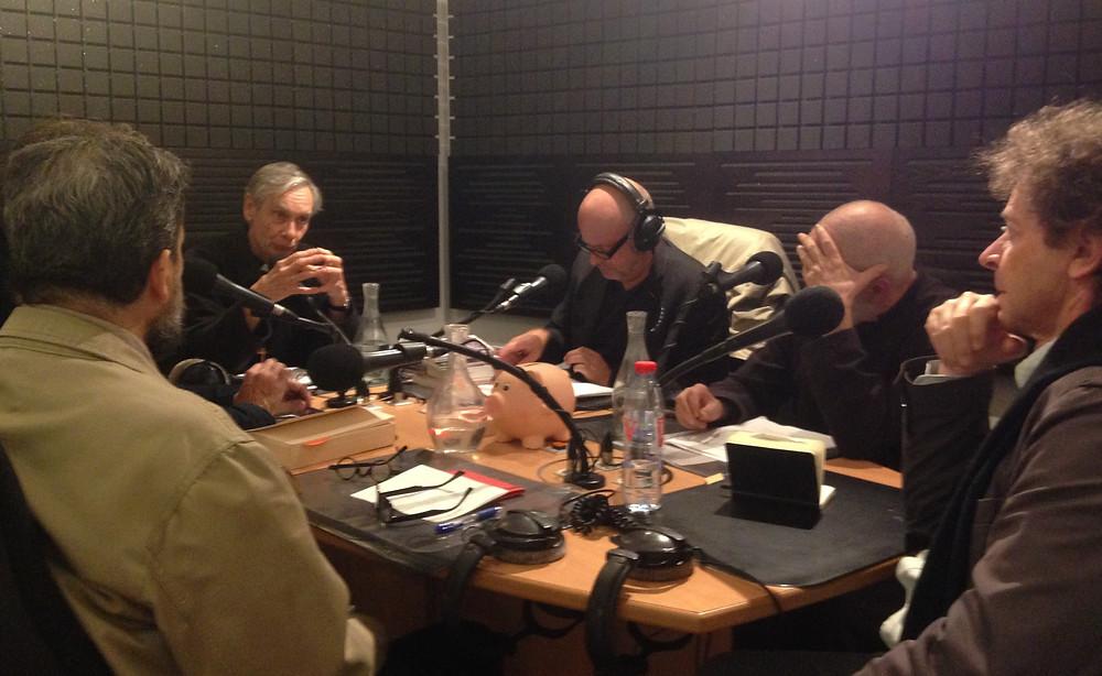 Le studio d'enregistrement, avec, notamment, Georges-Elia Sarfati, François-Xavier de Guibert et Brunor.