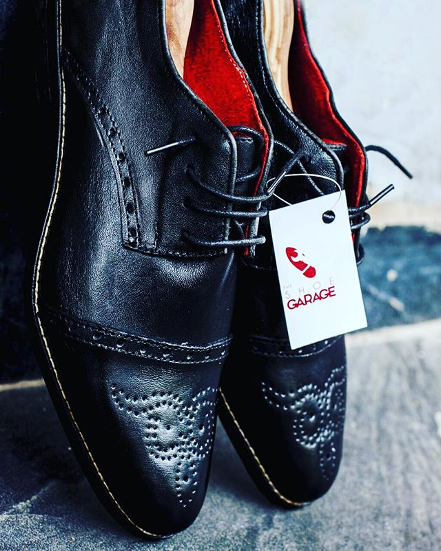 BLACK BROGUES WITH PUNCHINGS _ NATION WIDE DELIVERY _ 07087031121 _ #Lagos #Abuja #Dubia #shoeporn #