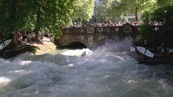 Eisbachwelle - München