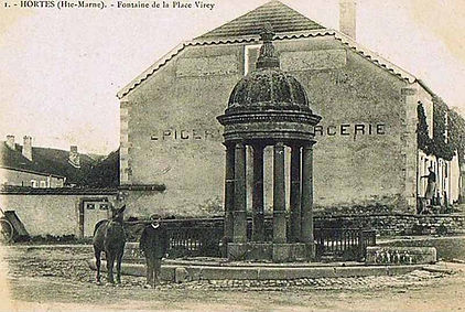 cpa fontaine cheval plac virey Hortes 20