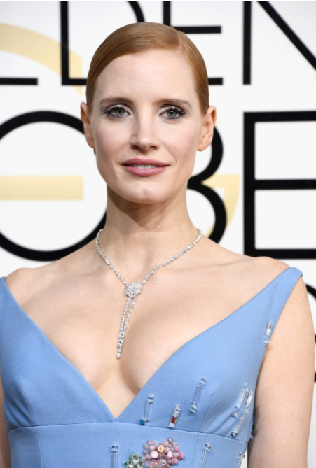 Jessica Chastain wearing lariat diamond necklace