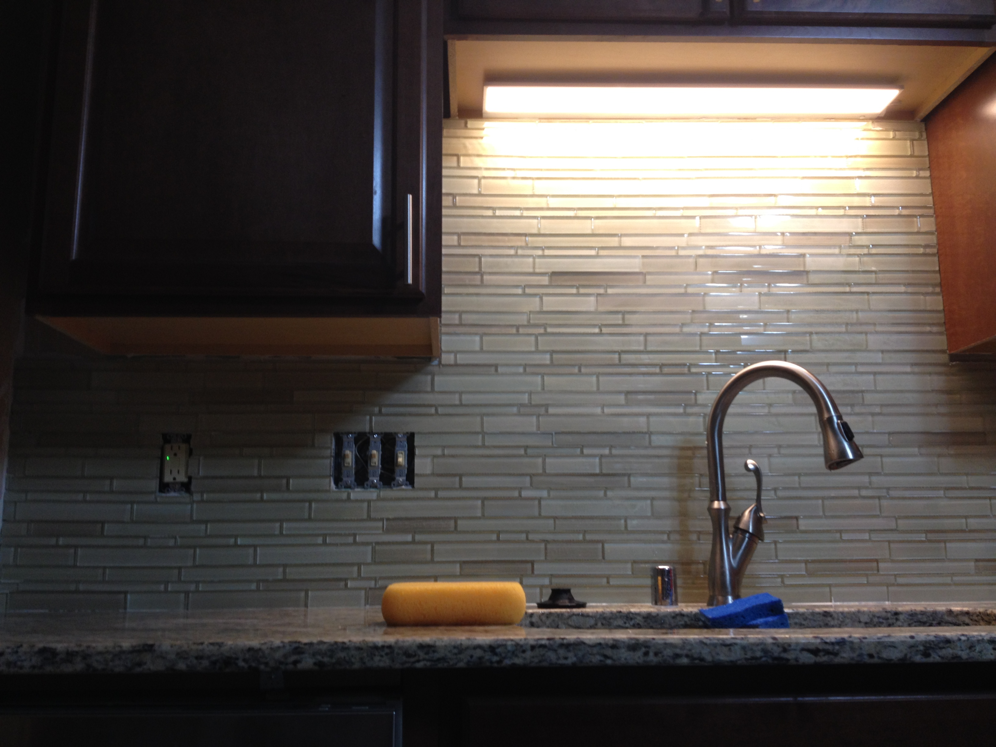 Glass tile back splash 2
