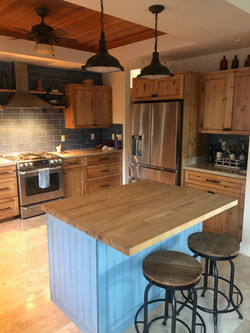 Shaker Style | Knotty Alder | Clear Finish | Quartz & Butcher Block