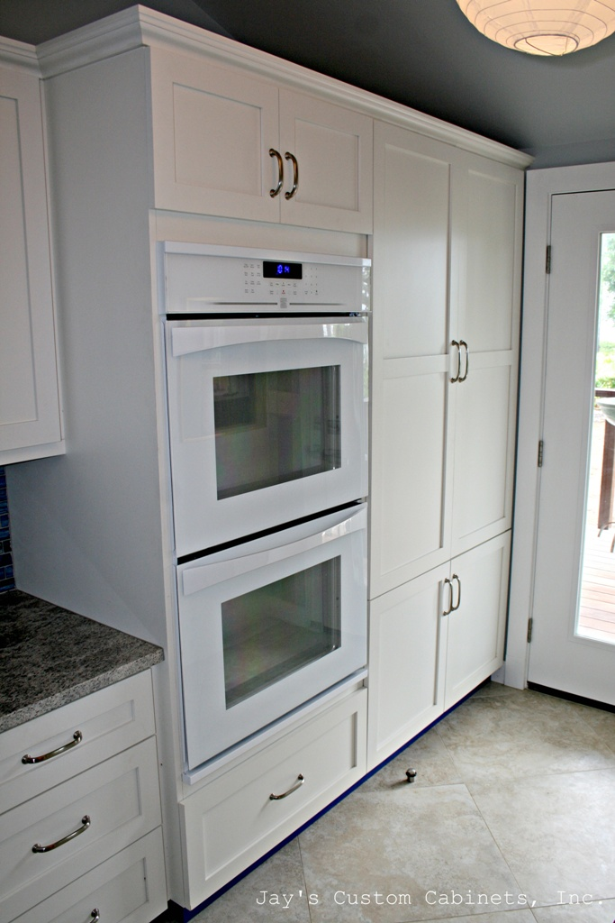 Shaker Style | PG Hardwood | Matador White Conversion Varnish Paint | Granite