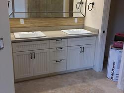 Shaker Style w/ Beaded Insert | Decorators White Conversion Varnish Paint | Quartz