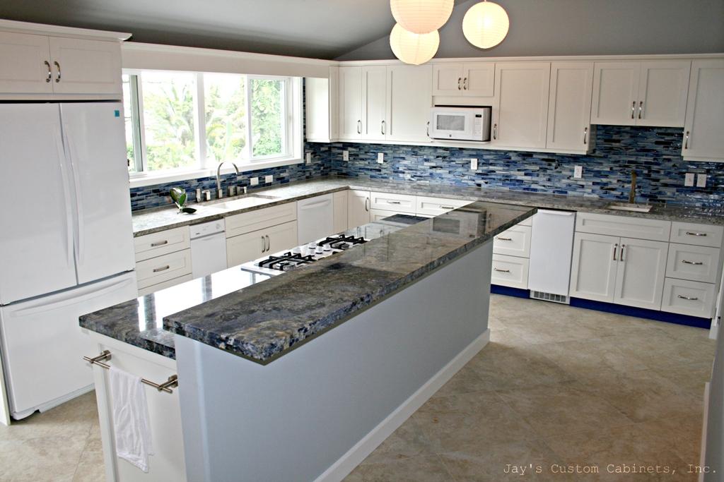 Shaker Style | PG Hardwood | Matador White Conversion Varnish Paint | Granite