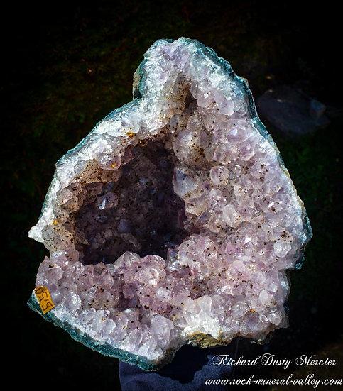 Geode d'Améthyste inclusions de Cacoxenite AA+