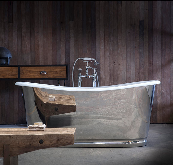 The Arroll Lorraine Mirror Cast Iron Bath | Foundry Cast Iron