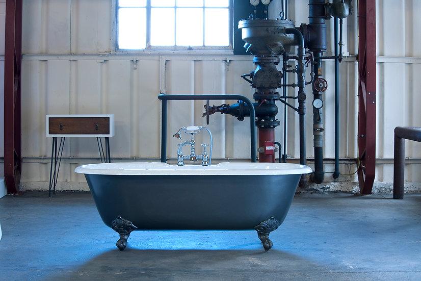 The Moulin Cast Iron Bath | Arroll