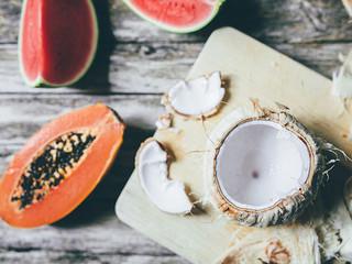 Papaja-kokossoep met garnalen