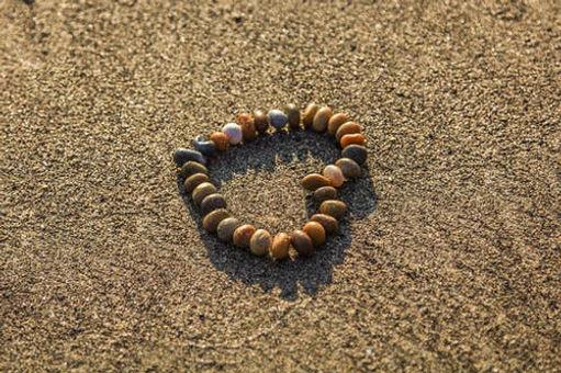 heart-rhinestones-sand-beach-122445.jpg
