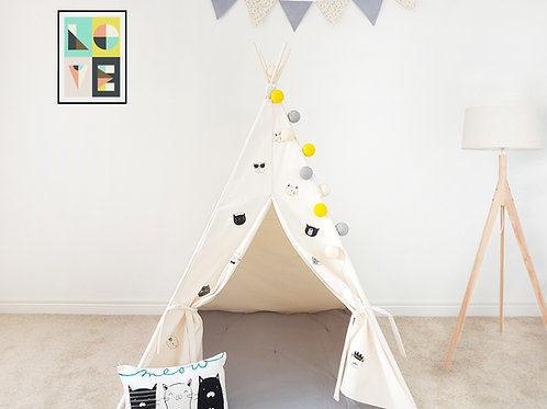 Cool Cats Black and Gold on Ivory Teepee.